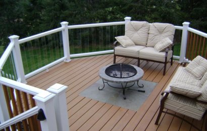 HOW DOES COMPOSITE DECKING COMPARE TO WOOD?